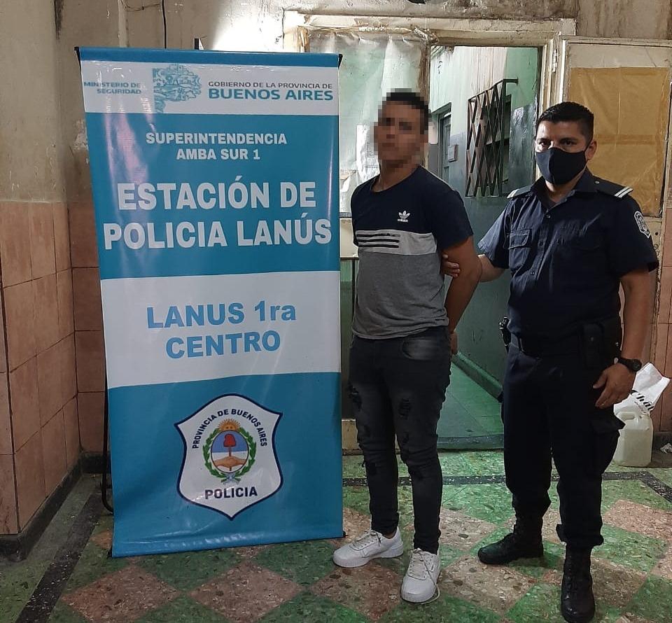 Detuvieron a dos motochorros que asolaban comercios en Lanús